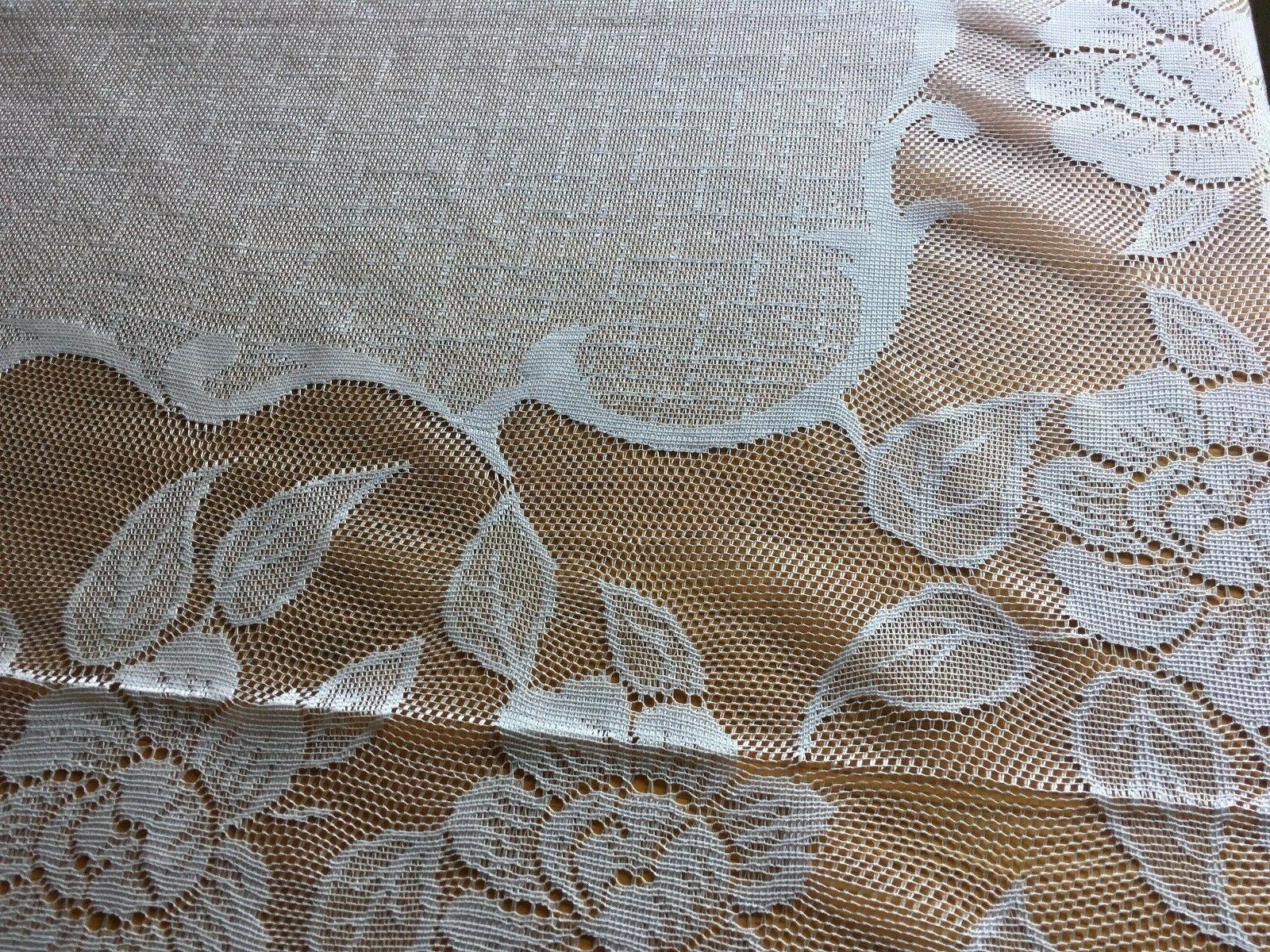 Lace 60-Inch Rectangle Tablecloth 3